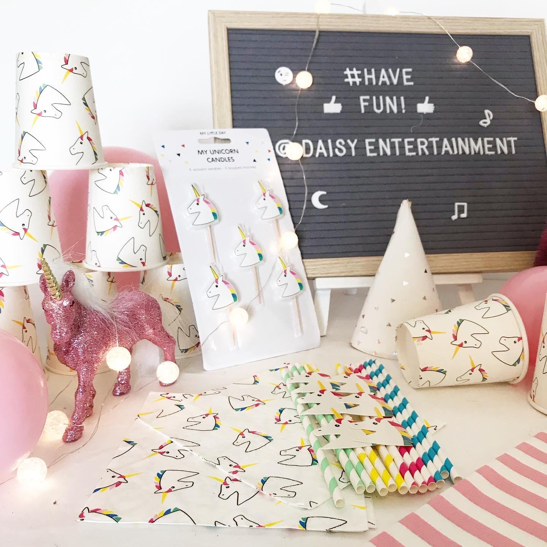 Party in a box! : Unicorn theme