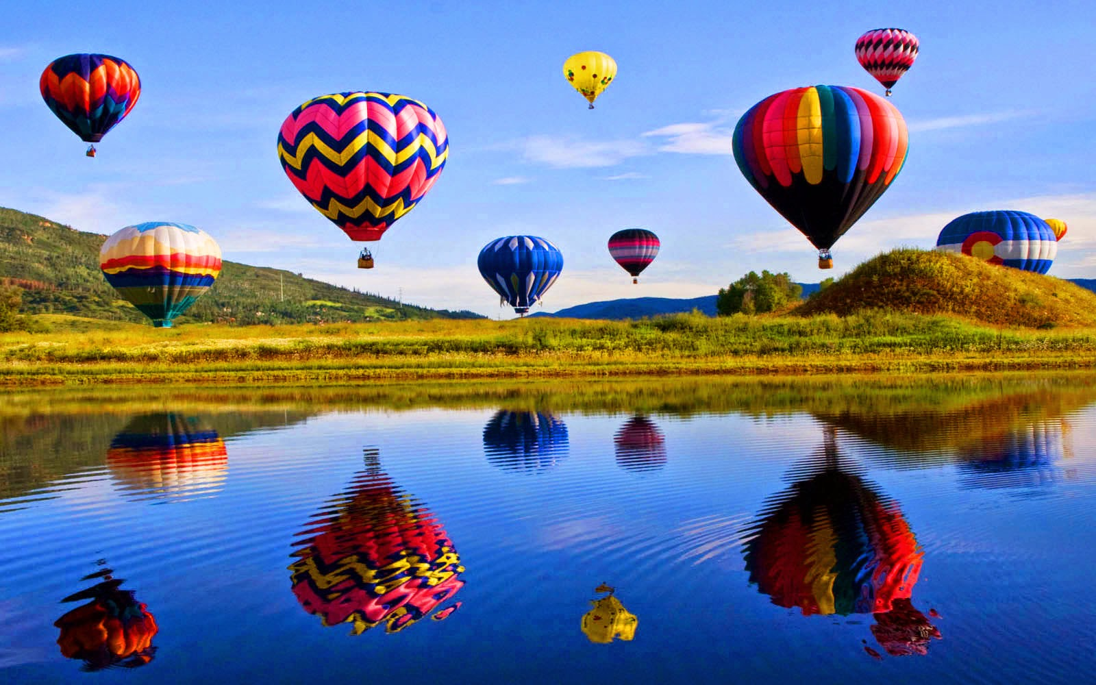 image-46882482-hot-air-balloon-backgroun