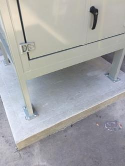 Ancrage base béton d'équipement