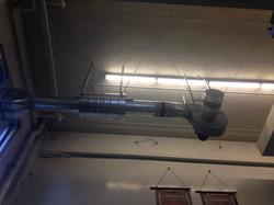 Ventilateur et silencieux suspendus