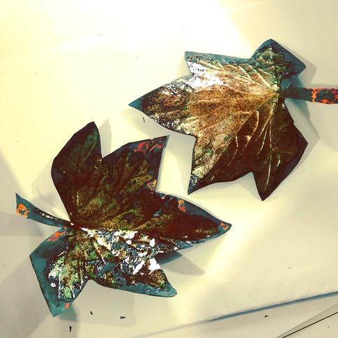 Enamelled leaves