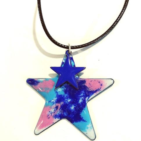 Enamelled stars pendant