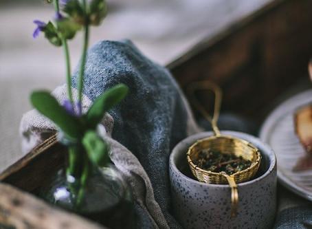 Plukking og tørking av urter