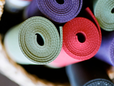 5 Reasons to Join a Beginner Yoga Class