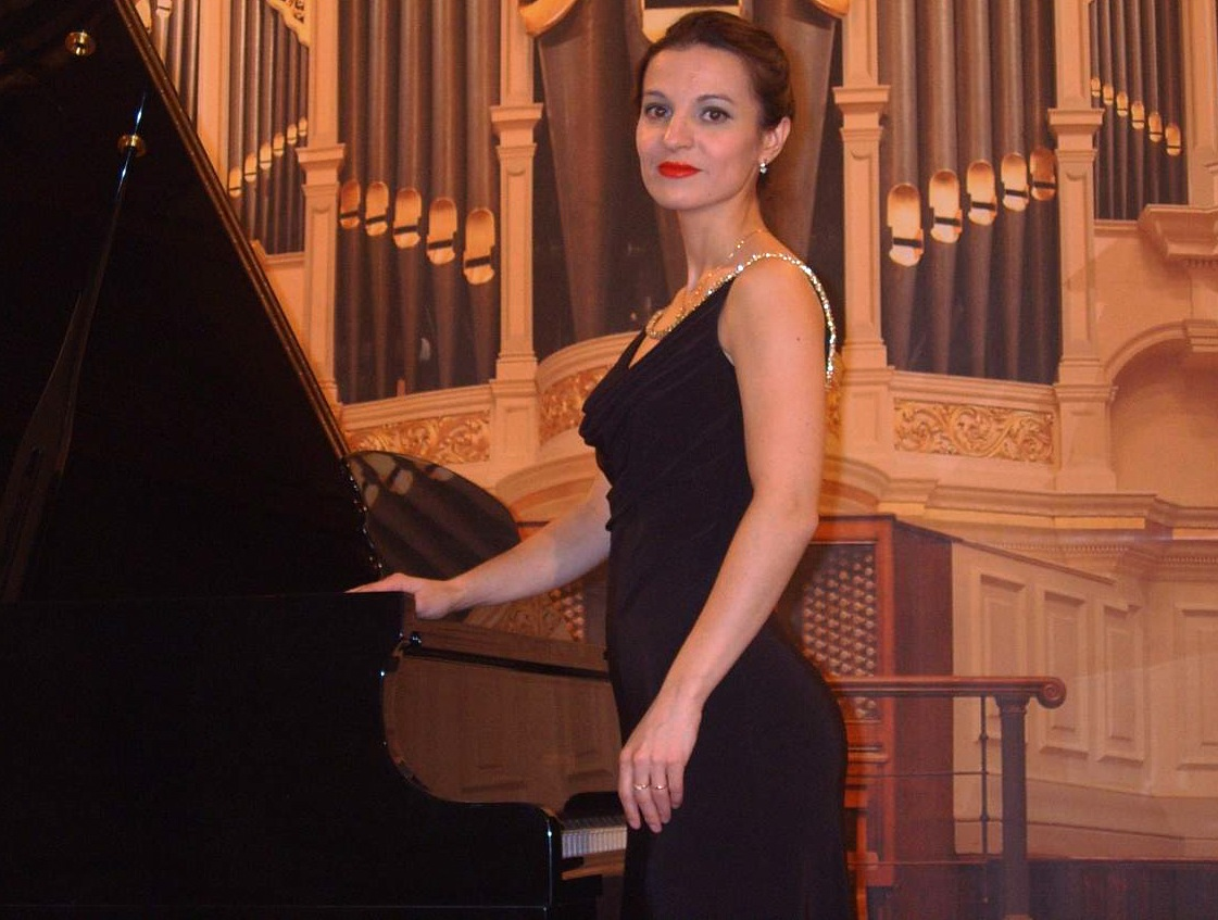 Оксана Гагарина (фортепиано)