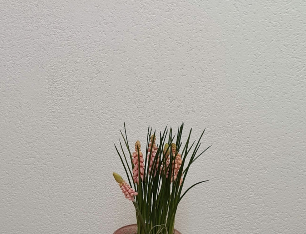 Frühlingsdeko Glas mit Seidenblumen