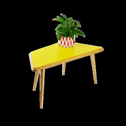 Trapezoid Coffee Table Yellow table basse trapezoide jaune