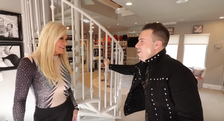 Theresa Roemer Gives Derek Zagami A Tour Of The Worlds Largest Closet