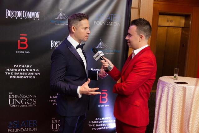 E! News Host Jason Kennedy Speaking With Derek Zagami