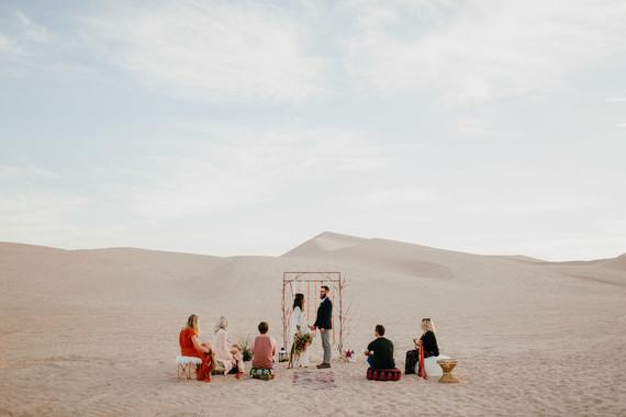 mariage original, mariage à l'étranger, mariage de destination, destination wedding, organisation de mariage à l'étranger, wedding planner, se marier dans le désert, secret wed