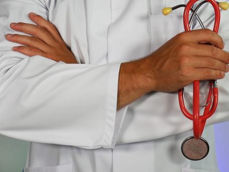 โควิด-19 : ไทยป่วย 2,423 ราย อีสาน 100 ราย บุคลากรทางการแพทย์ 80 ราย ศบค. วอนป่วยต้องบอกหมอ
