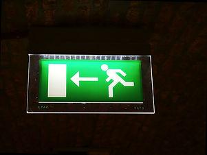 emergency-exit-954580_640.jpg