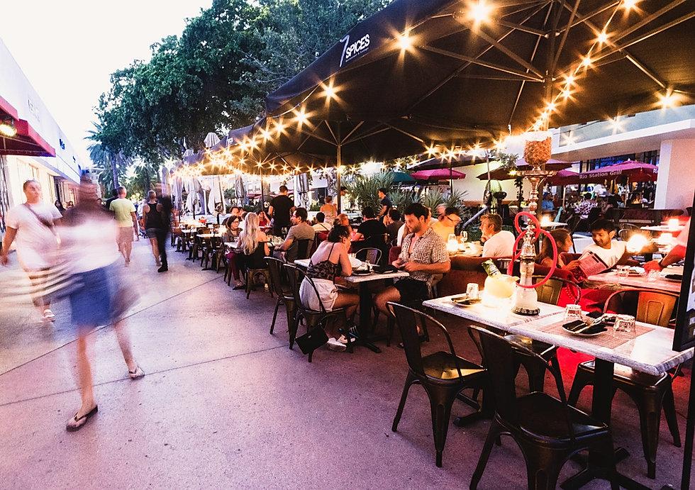 7 SPICES Sidewalk cafe