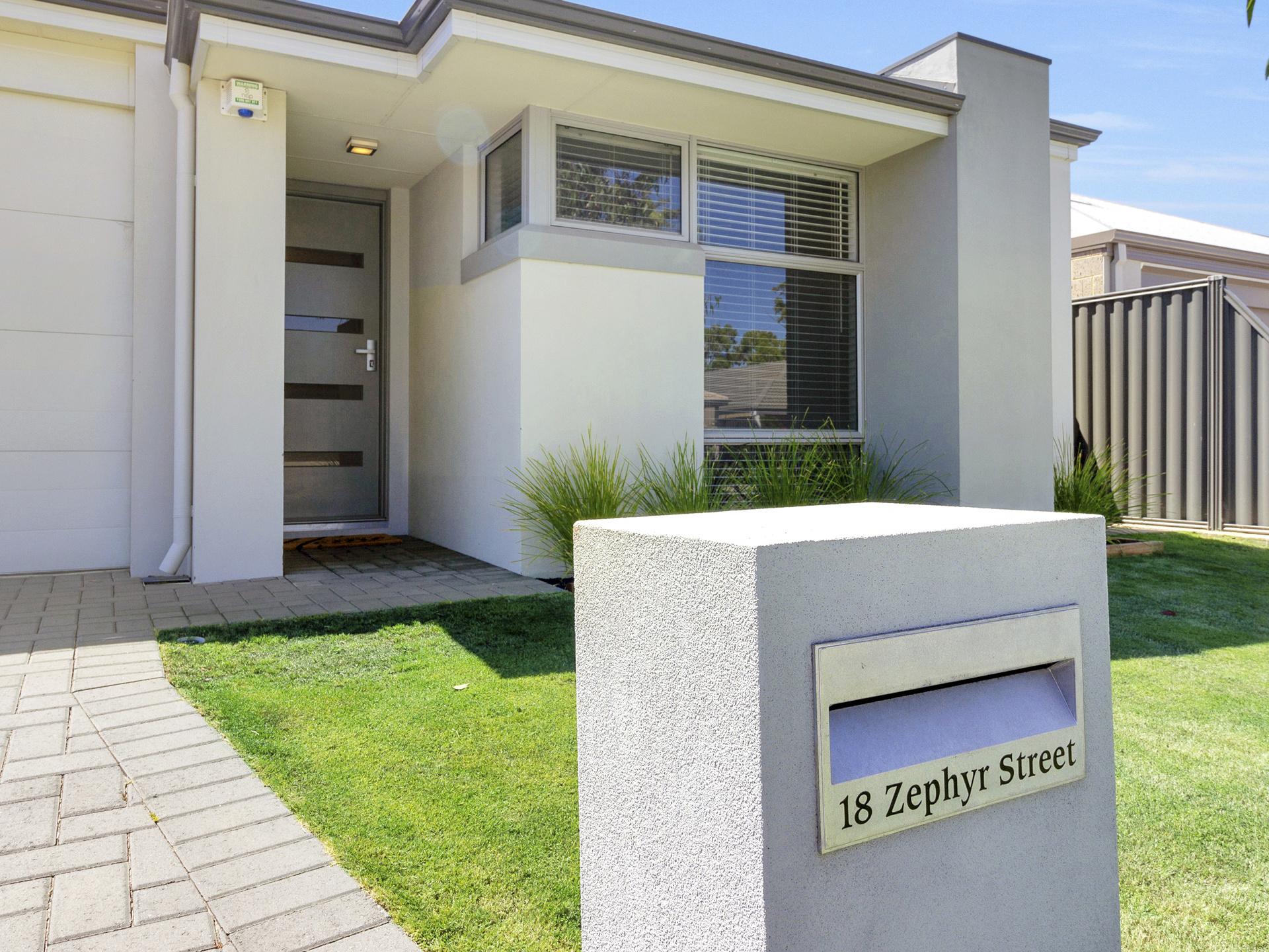18 Zephyr Street