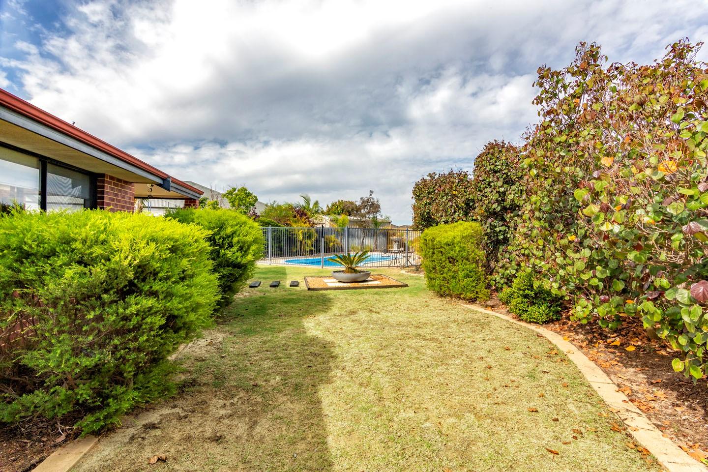 25 Glenora View
