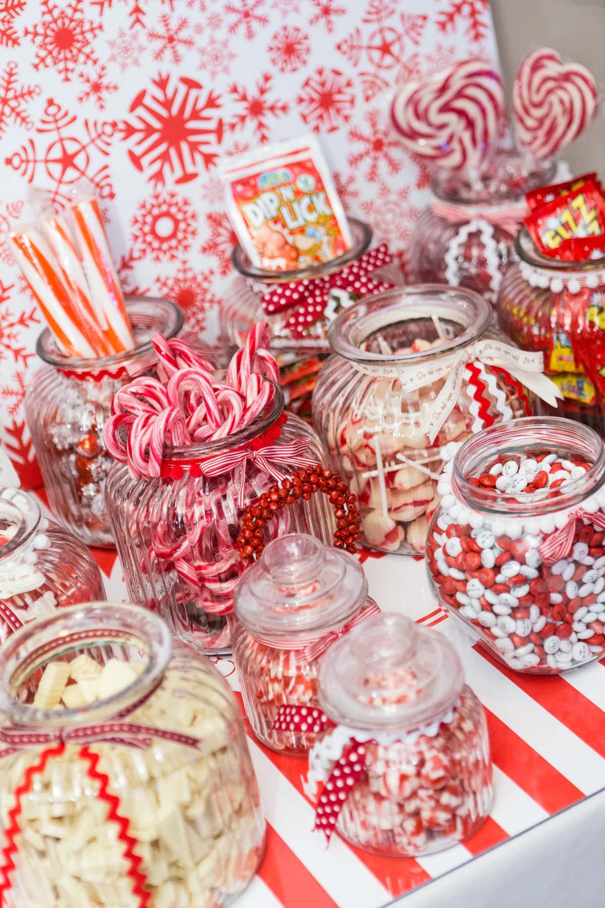 Sweet jar table
