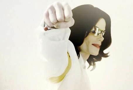 """""""מייקל ג'קסון: הקונספירציה"""" - פרק 10 ואחרון"""