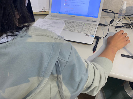 パソコン村大村教室 ワープロ2級合格の目標に向かって頑張っています。