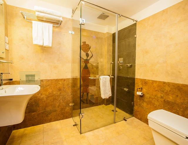 Bathroom Traditional Comfort Hotel