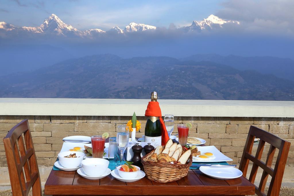 Rupakot Resort - Ontbijt met Uitzicht op de Bergen