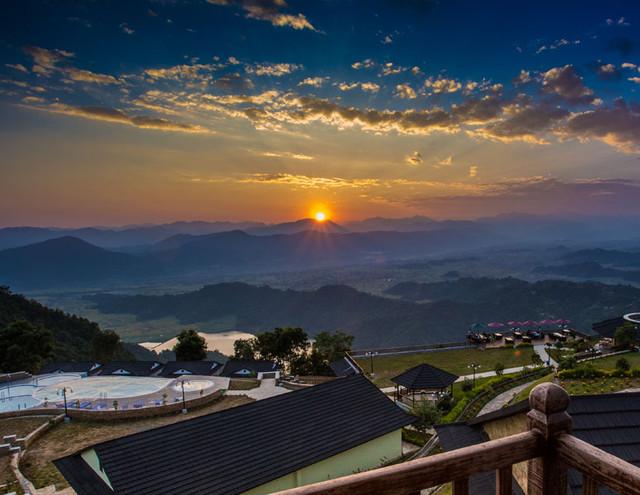 Rupakot Resort - Uitzicht op de Bergen