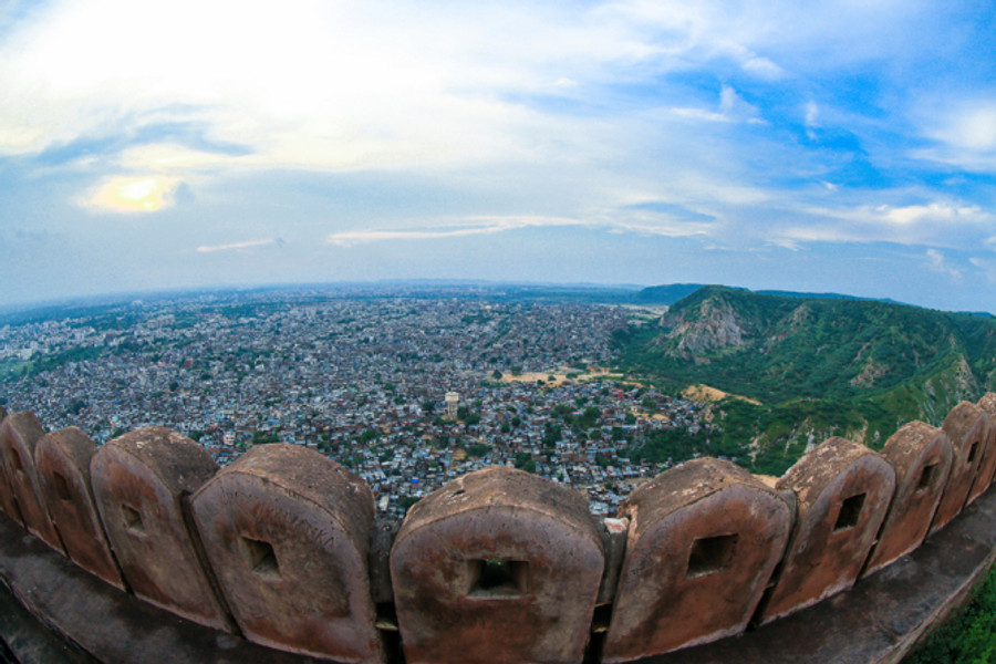 We reached Nahargarh fort which was few kilometres drive away from our hotel. That's the view we got.