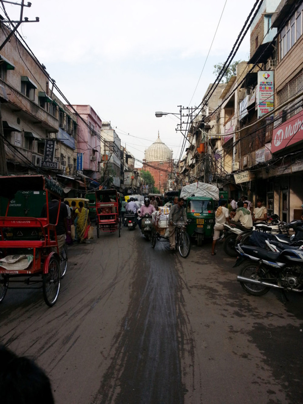 The lane leading towards Chandni Chowk