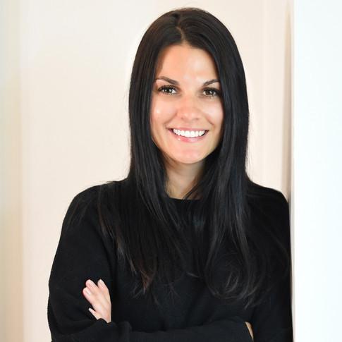 Samantha Helmeczi