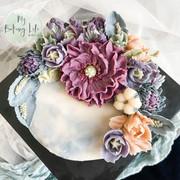 豆沙裱花半月蛋糕
