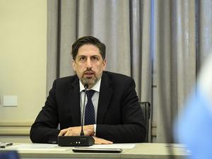 El ministro Nicolás Trotta viajó a Santa Cruz, pero se aisló en un hotel por ser contacto estrecho