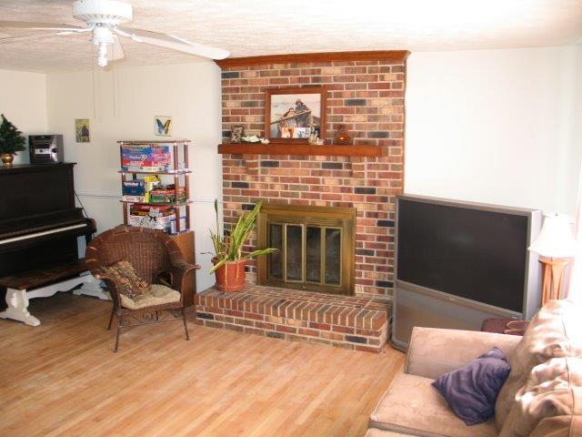 Gemini Living Room