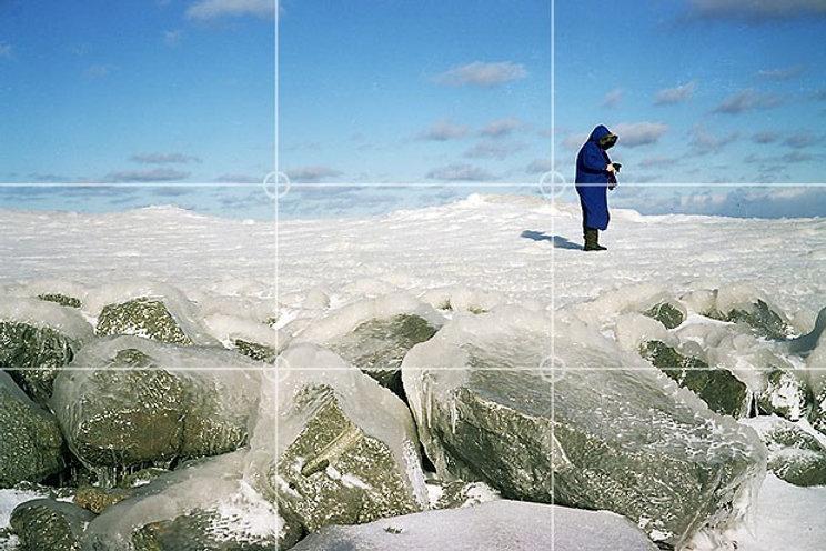 rule-of-thirds-woman-snow.jpg
