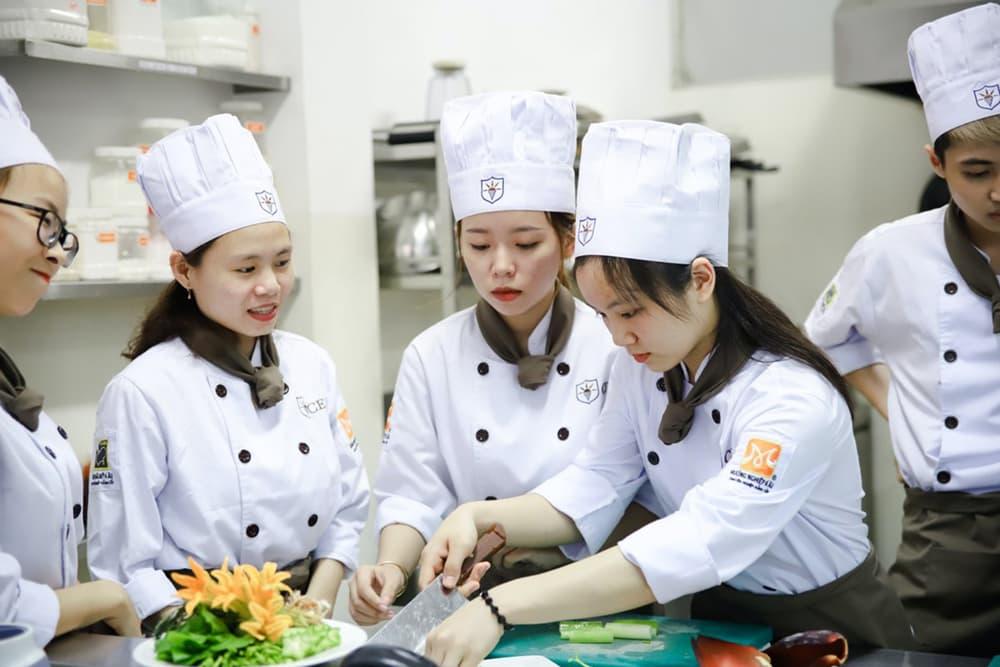 Photo by Trường Trung Cấp Kinh