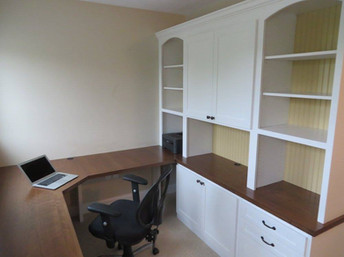 Office Desk and Full Storage