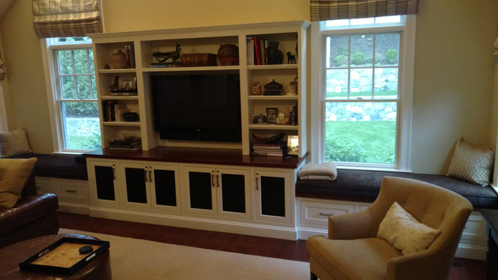 Full Wall With Bench/Beds