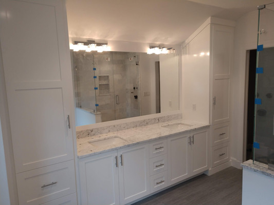 Dual Sinks and Full Wall Storage