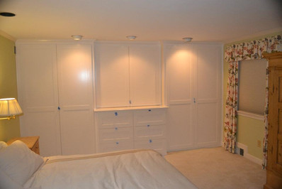 Full Wall Closets and Entertainment