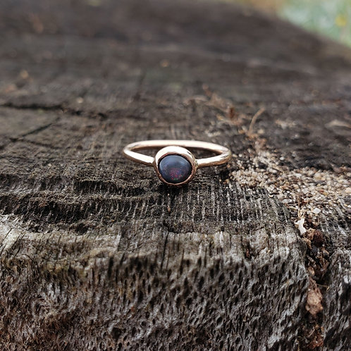 Mandragora Rose gold ring with black opal