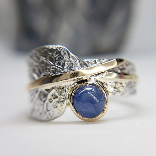 Leaf wrap ring with Sapphire