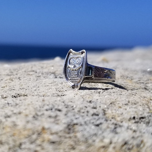 Enchanted Owl ring with sapphires