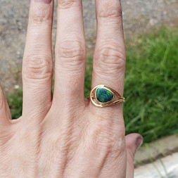 18k yellow gold ring with black opal