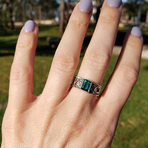 Noble filigree ring with tourmaline