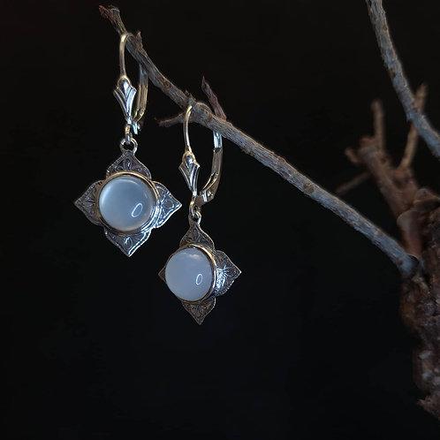 Aretuza earrings with moonstone