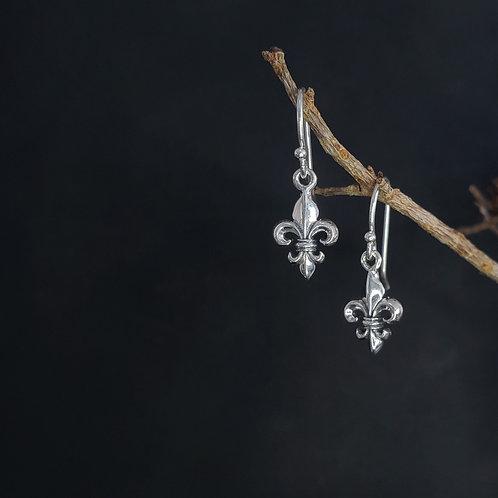 Meerven drop earrings