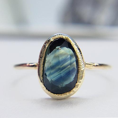 9k yellow gold sapphire ring
