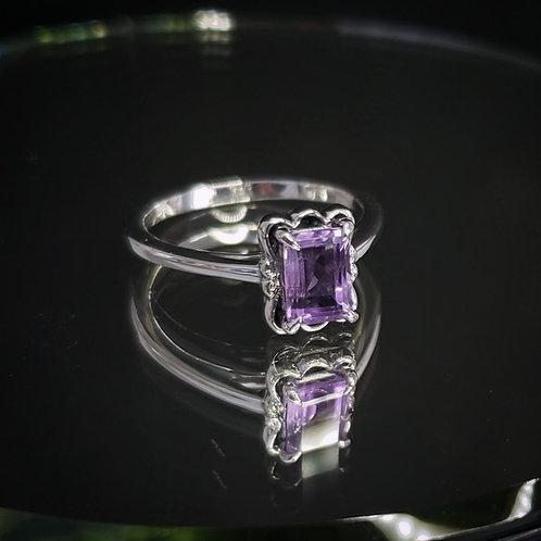 Kynareth ring with amethyst