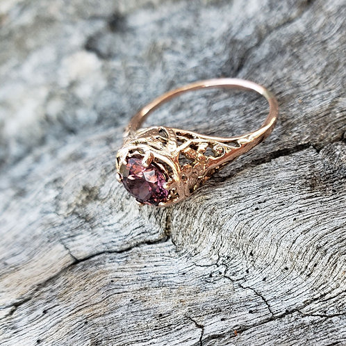Noble floral ring