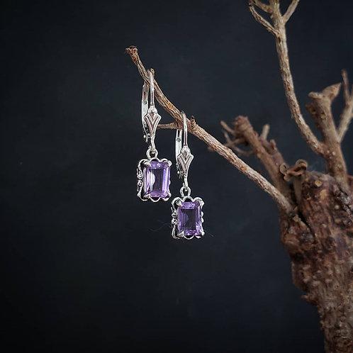 Kynareth earrings with amethyst