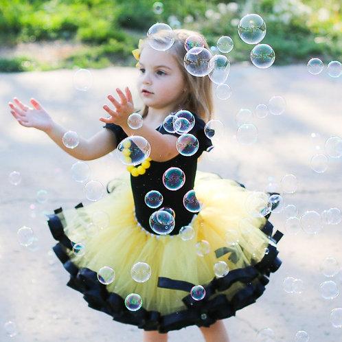 yellow and black tutu skirt on girl
