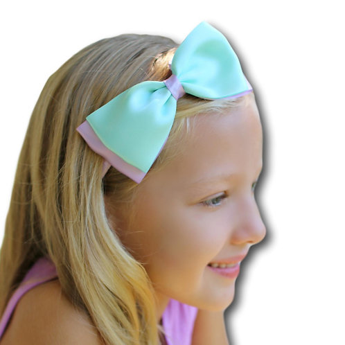 pretty mermaid hair bow on child